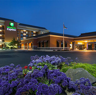 Holiday Inn Express & Suites at Monterey Bay